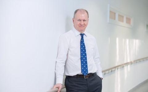 Dr Simon Kennon
